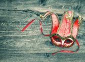 picture of harlequin  - Red carnival mask harlequin - JPG