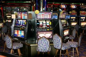 pic of slot-machine  - Slot machine in a casino on a cruise ship - JPG