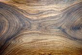 image of bottom  - Bottom of an handmade wooden plate with a beautiful texture - JPG