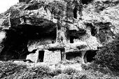 picture of longhouse  - Medieval complex byzantine residence in the sicilian hinterland - JPG