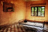 picture of torture  - Torture Bed of the Red Khmer at Tuol Sleng - JPG