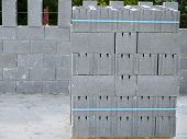 image of cinder block  - Pallet with concrete blocks for external walls