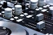 pic of controller  - DJ mixer controller - JPG