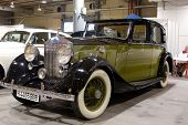 VALENCIA, SPAIN - OCTOBER 16 : Restored 1937 Rolls Royce Sedanca Devill on display at the 2009 Motor