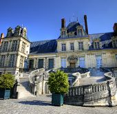 pic of chateau  - View of the Chateau de Fontainebleau and its famous stairway - JPG