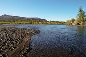 pic of taimyr  - The river and its surroundings at the end of the summer - JPG
