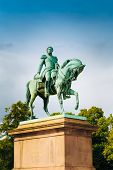 Постер, плакат: Statue of Norwegian King Karl Johan XIV in Oslo Norway