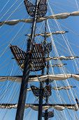 foto of mast  - View of the mast from the deck of walking three - JPG