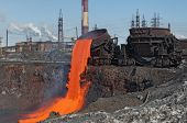 picture of convection  - The molten steel is poured into the slag dump - JPG