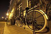 Постер, плакат: Велосипед в ночь Амстердам