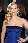 LOS ANGELES - 24 februari: Reese Witherspoon arriveert in de 85e Academy Awards, de Oscars op presenteren