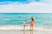 image of little kids  - Two kids having fun on summer vacation - JPG