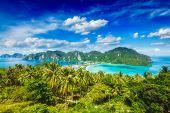 foto of phi phi  - Tropical island with resorts wallpaper  - JPG