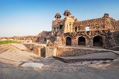 picture of darwaza  - Purana Qila is the oldest fort among all forts in Delhi - JPG