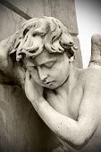 pic of stature  - Angel statur in a cemetery - JPG