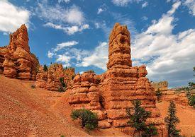 picture of hoodoo  - Geological structures called hoodoos - JPG