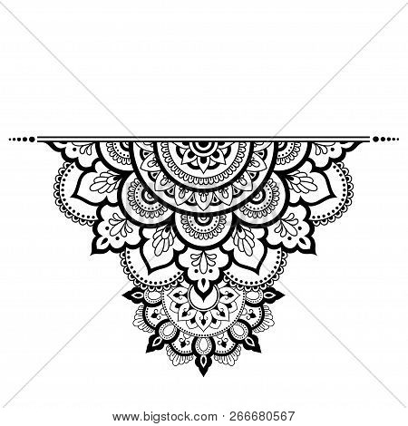e9d03b2c99487 Poster of Mehndi Mandala Pattern For Henna Drawing And Tattoo. Decoration  In Ethnic Oriental, Indian Style.
