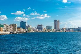 pic of malecon  - The famous Malecon in Havana - JPG