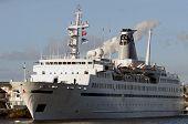 pic of ijs  - Ship in Harbor in Amsterdam - JPG
