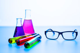 picture of experiments  - Laboratory experiments with equipments - JPG