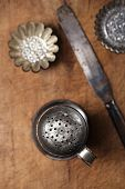 picture of flour sifter  - Vintage  Baking utensils  - JPG