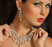picture of diva  - Fashion woman with jewelry precious decorations  - JPG