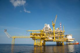 picture of production  - Offshore oil and gas production and exploration business - JPG