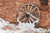 picture of covered wagon  - An old - JPG