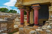 foto of minotaur  - Knoss palase on the Crete - JPG