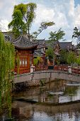 pic of weeping willow tree  - Wooden Houes In Chinese Style - JPG