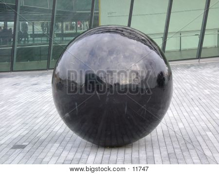 picture or photo of huge black shiny stone in london city