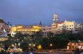 Постер, плакат: Плая дель Дуке в ночное время Тенерифе Испания