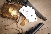Постер, плакат: crime money gambling