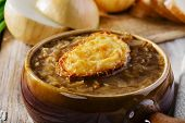 picture of french toast  - French onion soup with toast in a pot - JPG