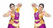 picture of bharatanatyam  - female Bharathanatyam dancer of Tamil nadu in South India - JPG