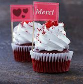 pic of red velvet cake  - festive red velvet cupcakes with a gift compliment card - JPG