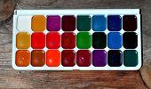 picture of paint palette  - Simple watercolor paints palette - JPG