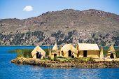 Постер, плакат: Урош плавающие острова озеро Титикака Перу