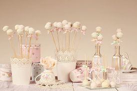 picture of cake pop  - Capture of delicious Cake pops on fancy decor - JPG