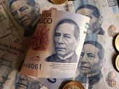 New Mexican Banknote Of 500 Pesos, Coins And Previous Banknotes Of 20 Pesos poster