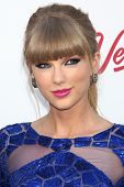 LOS ANGELES - 19 de mayo: Taylor Swift llega en los Billboard Music Awards 2013 en el MGM Grand Gar