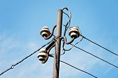 picture of pole  - Electrical wire on pole - JPG