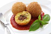 Постер, плакат: Arancini жареного риса шарики итальянская кухня