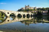 picture of old bridge  - B�ziers - image of the city across the river and the old bridge France
