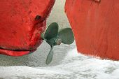 pic of old boat  - Old boat engine propeller - JPG