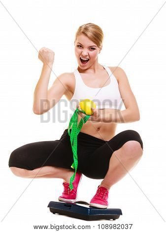 В том, как любит женщина весы, много от ее родной стихии воздуха.