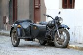 foto of sidecar  - Vintage sidecar parked in the old Havana - JPG