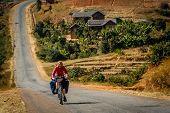 ������, ������: Cycling in Madagascar