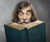picture of confuse  - Senior Old Man Read Book Amazing Face Crazy Shocked Eyes Confused Surprised People - JPG