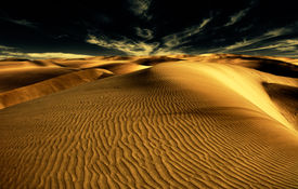 pic of barchan  - Night in the desert sand dunes - JPG